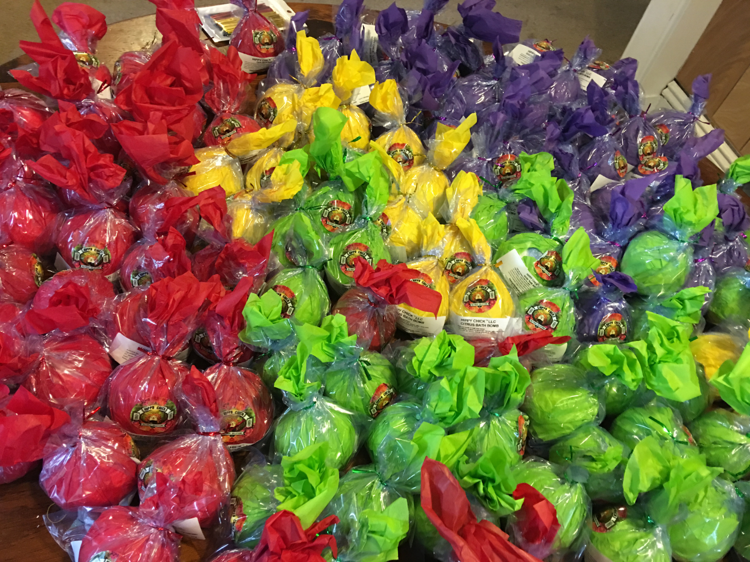Large amount of wrapped assorted bath bombs